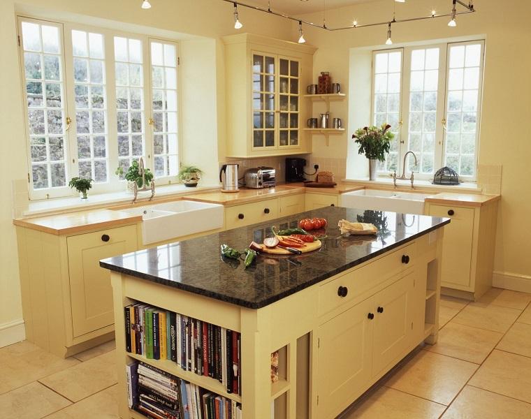 cucina beige piccola compatta elegante