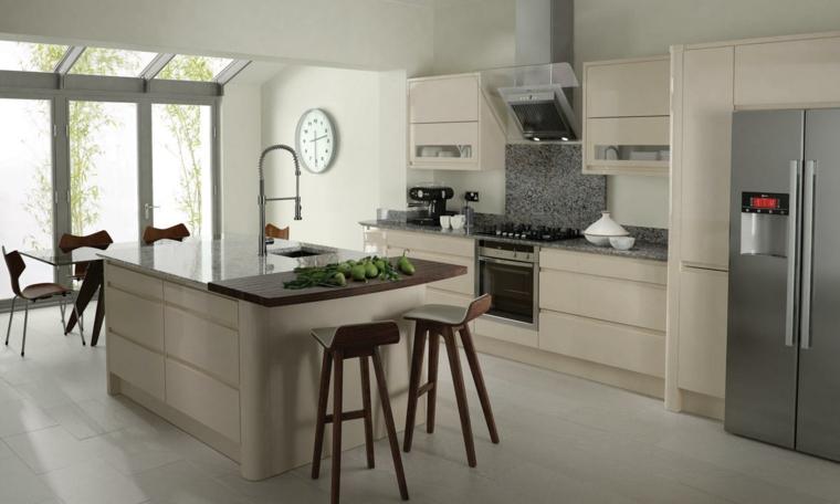 cucina elegante grande isola marmo