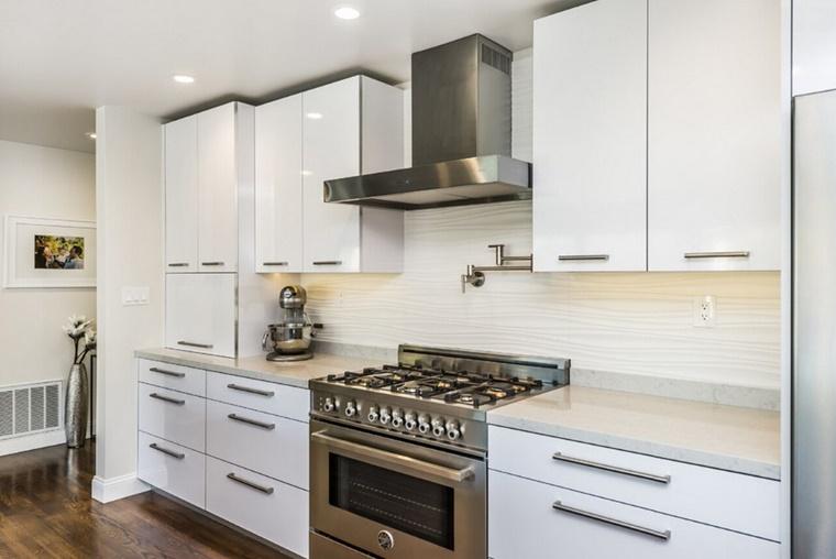 Paraspruzzi cucina - tante idee utili per l'arredamento - Archzine.it
