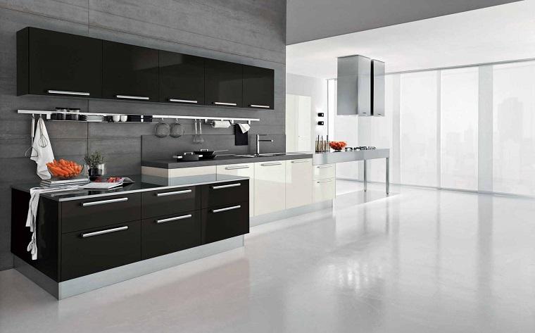 Cucina nera: leleganza intramontabile di uno spazio vissuto