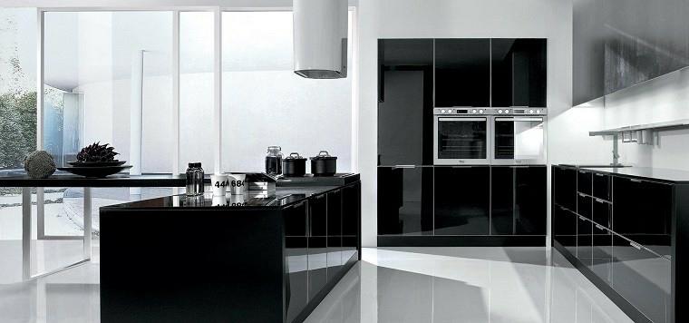 Cucine moderne bianche e nere 10 idee in piu 39 per for Riviste arredamento cucine