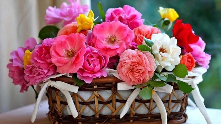 decorare casa cesto bellissimo fiori stagionali