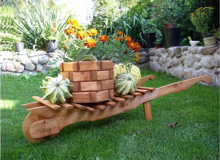 decorazioni fai da te per un giardino dal design originale