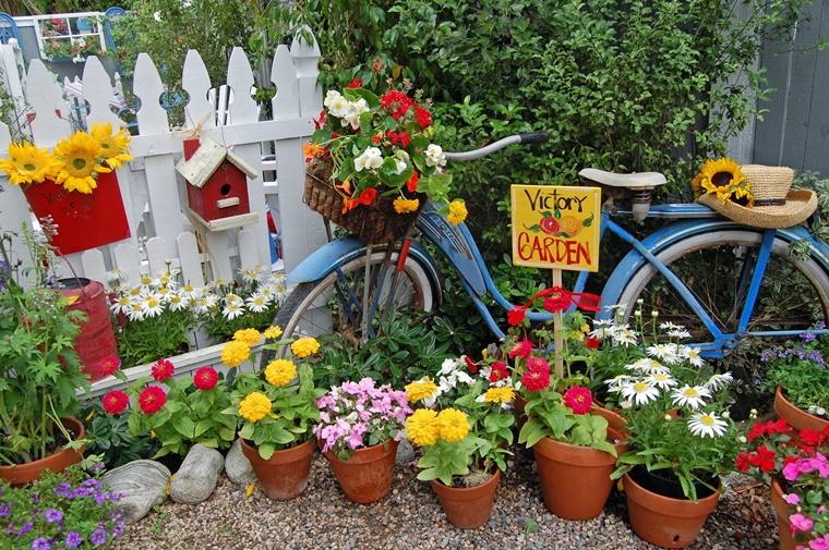 Decorazioni fai da te per un giardino dal design originale for Oggetti da giardino