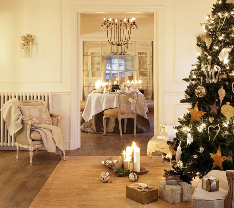 decorazioni fai te casa lluminata candelle giocattoli lucidi albero natale