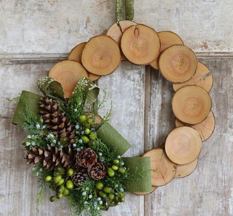decorazioni natalizie dischi legno abbellire porta entrata