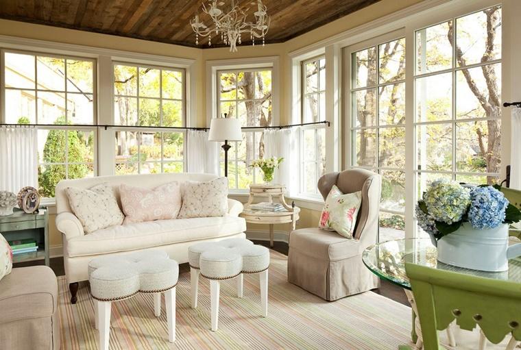 decorazioni soggiorno vaso fiori cuscini