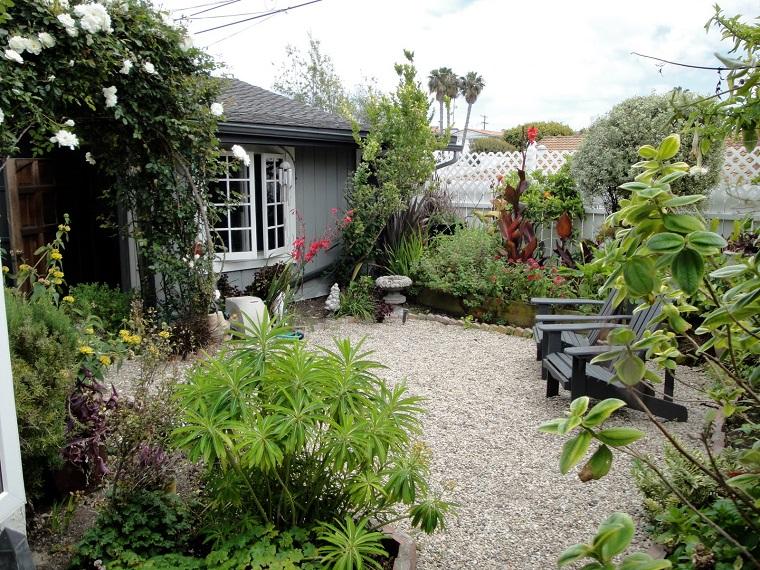giardino con ghiaia idea ingresso