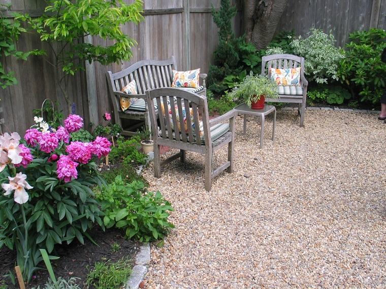 Ghiaia da giardino come trasformare l 39 area esterna in for Idee giardino semplice