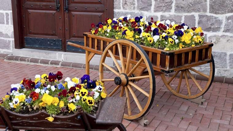 giardino fai da te carriola fiori