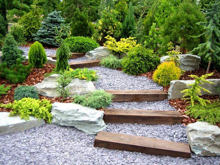 giardino sentiero elementi legno sassolini