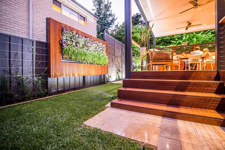 Giardino verticale varie idee per l 39 esterno e l 39 interno - Giardino interno casa ...