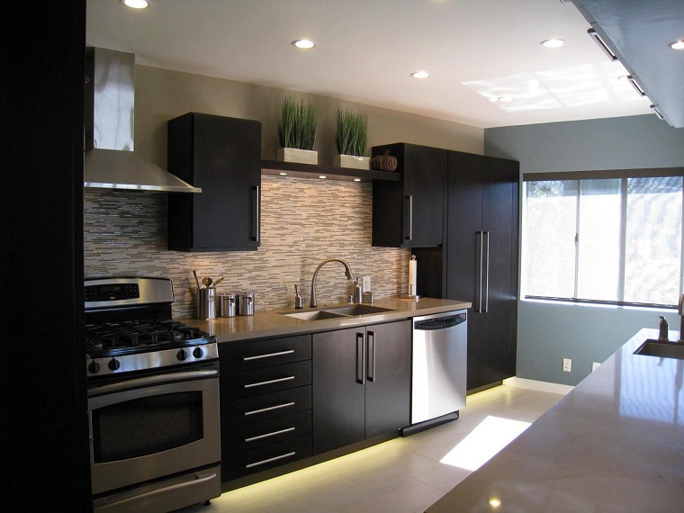 Cucina nera: l'eleganza intramontabile di uno spazio ...