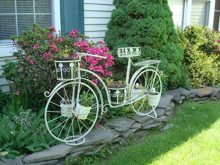 idee giardino bivicletta vintage piante verdi