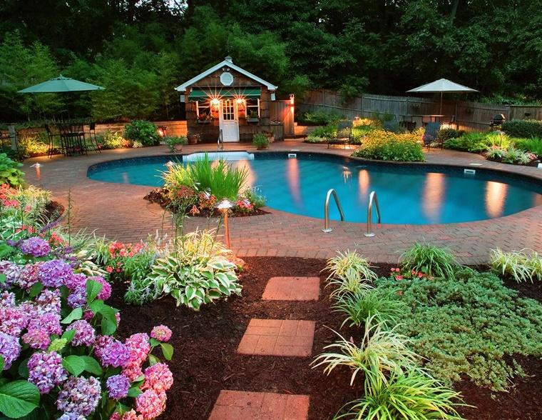 idee giardino grande piscina idee floreali