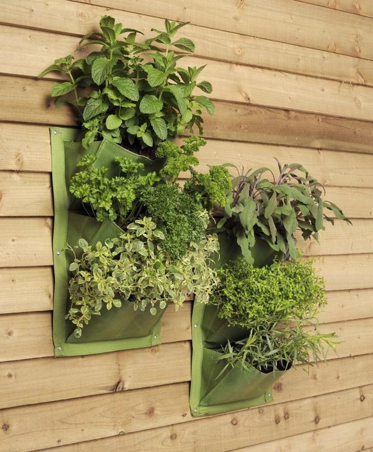 idee giardino verticale parete erbe aromatiche