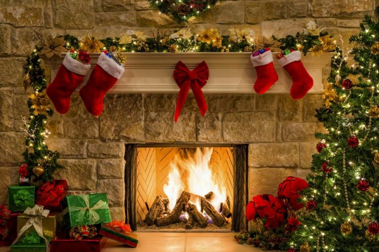 idee per addobbare l'albero di natale fuoco regali
