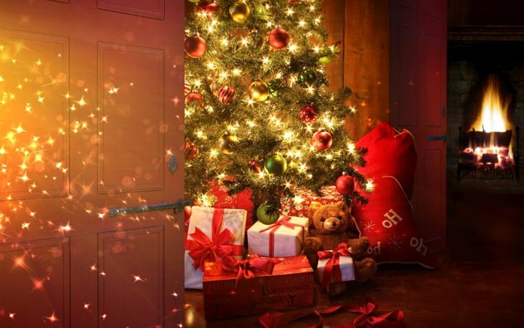 idee per addobbare l'albero di natale regali colorati