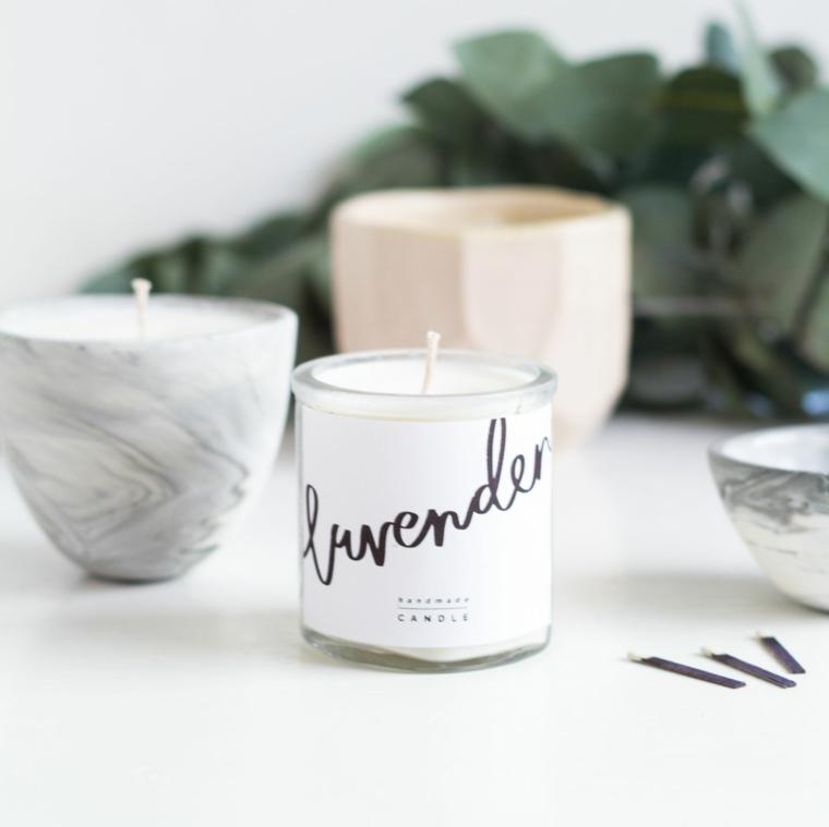 idee regalo donna candela fatta a mano alla lavanda decorazione con scritta personalizzata