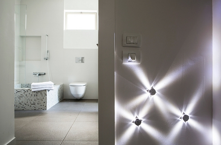 https://archzine.it/wp-content/uploads/2016/11/illuminazione-bagno-indiretta-faretti-led.jpg