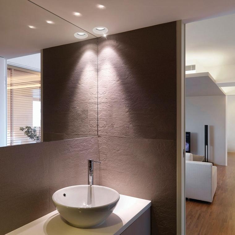 Illuminazione bagno moderno tendenze e ispirazione - Luci led per bagno ...