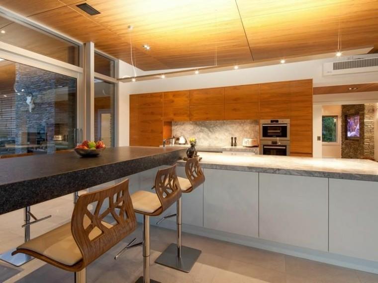 illuminazione tetto legno cucina moderna
