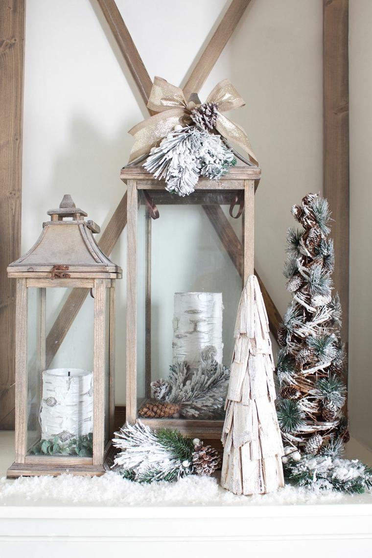 Addobbi natalizi fatti a mano, lanterna con candela, albero di Natale con corteccia di legno