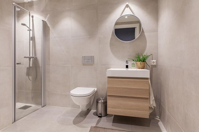 Arredo bagno moderno tante idee per uno stile minimal - Mobile legno bagno ...