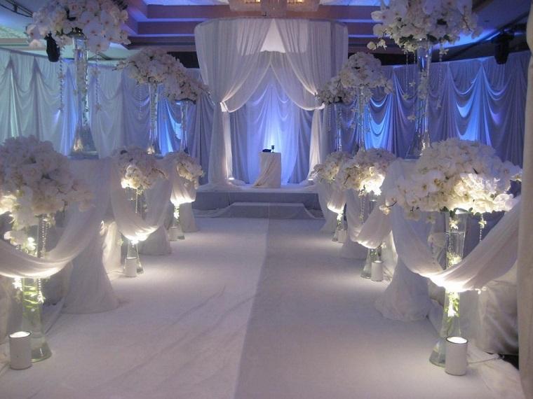 nozze decorazioni semplici bianche floreali