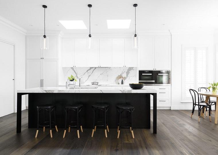 Paraschizzi cucina l 39 utile anche di tendenza - Vernice lavabile cucina ...