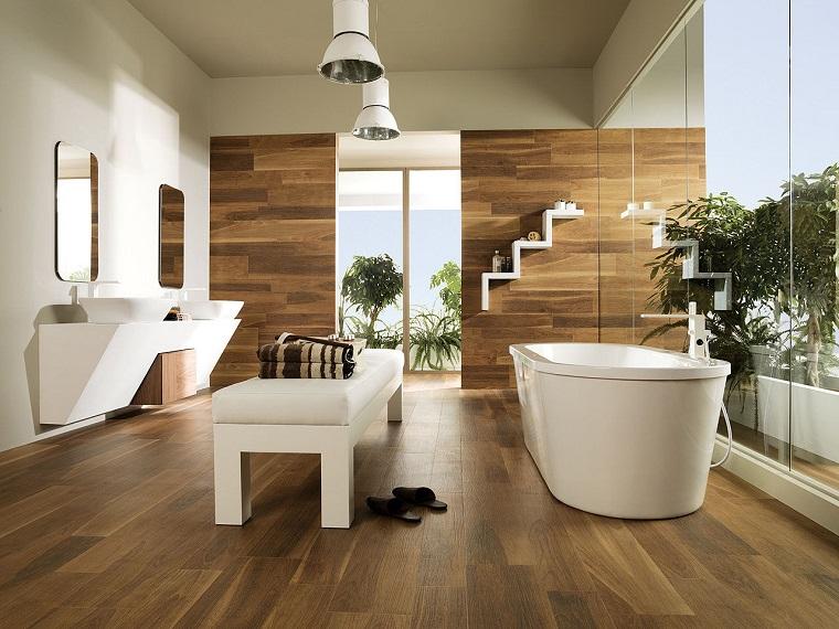 parquet bagno parete abbinata mensole bianche