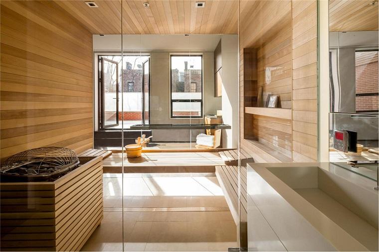parquet bagno stile lineare ampie finestre