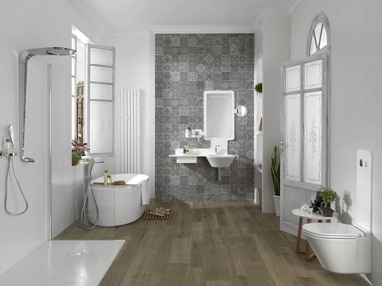 Pavimento parquet tante e sorprendenti idee bagno - Piastrelle decorate per bagno ...