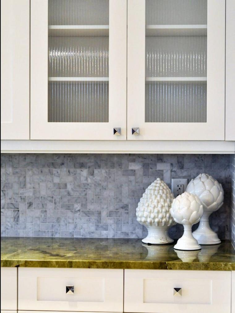 piano cucina marmo verde cucina bianca stile minimalista