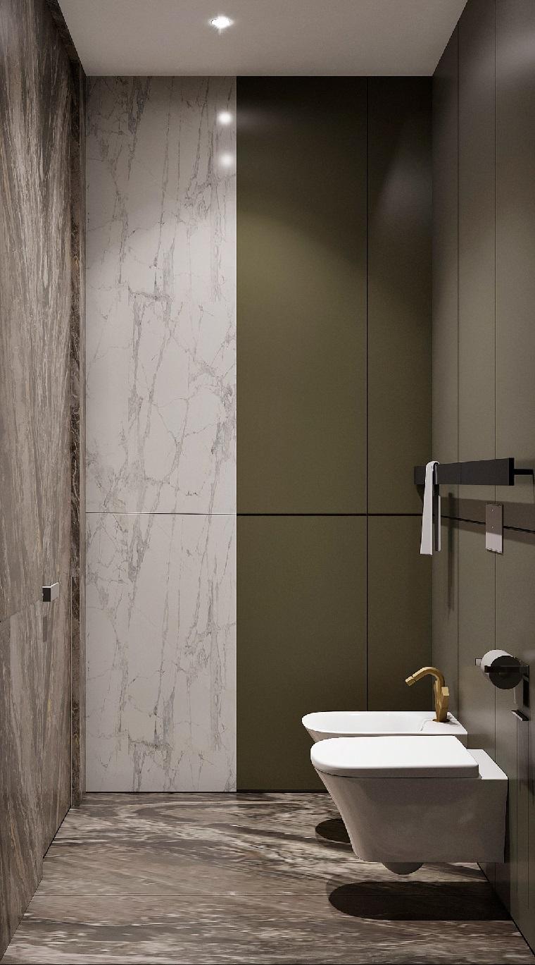 Ristrutturare bagno idee, pavimento in marmo grigio, parete con pannelli di colore verde