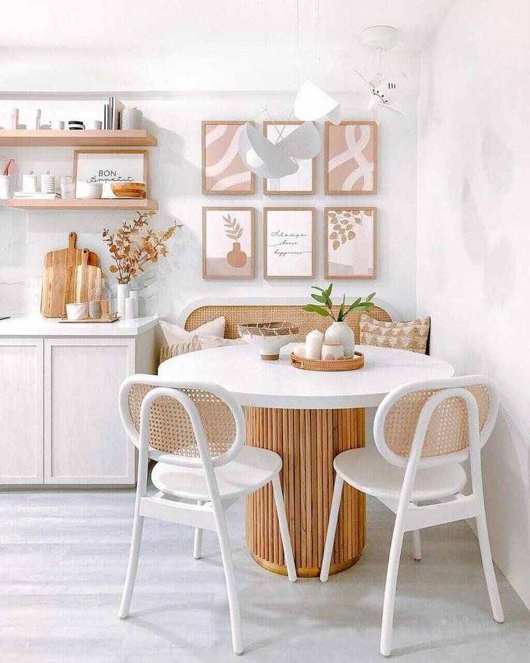 sala da pranzo piccolo set tavolo da pranzo rotondo con sedie tonalità di colore pastello