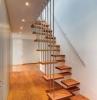scale-interne-moderne-gradini-legno-sospesi