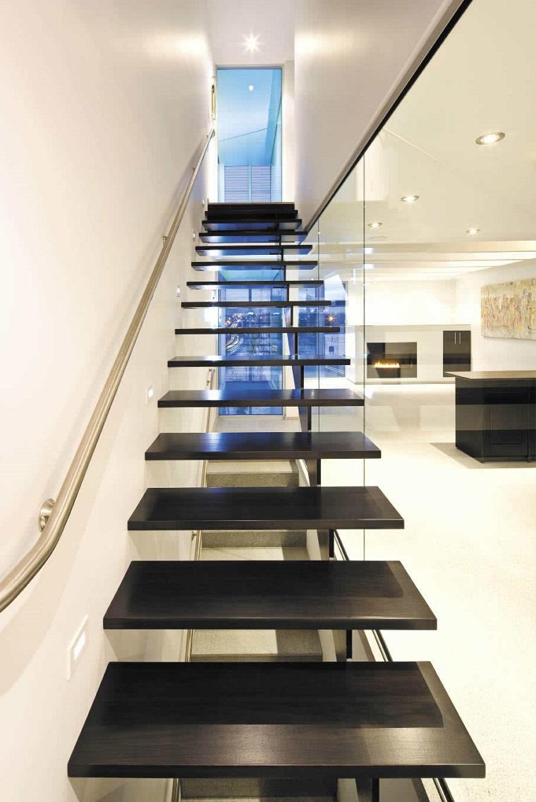 scale moderne una vasta gamma di soluzioni inusuali e di
