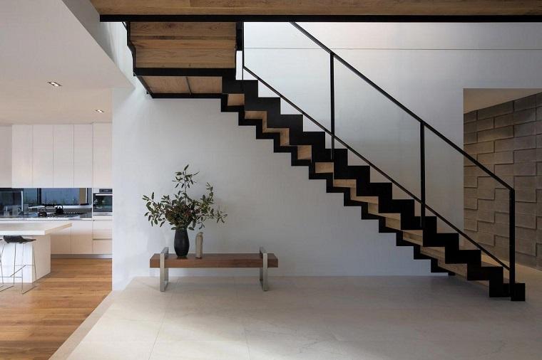 scale moderne lineari legno nero