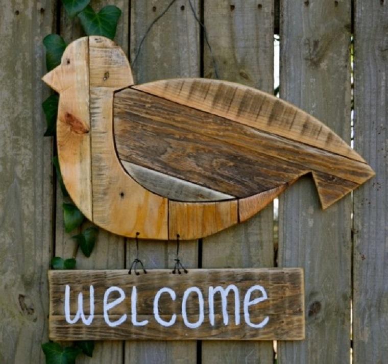 scritta legno forma uccello benvenuti