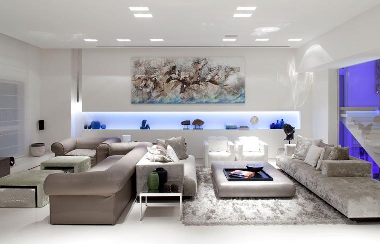 soggiorno contemporaneo illuminato quadro grande parete