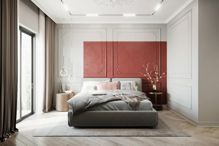 Lampada da comodino sospesa ad anelli, parete di legno rosso, faretti sul soffitto, pavimento in legno