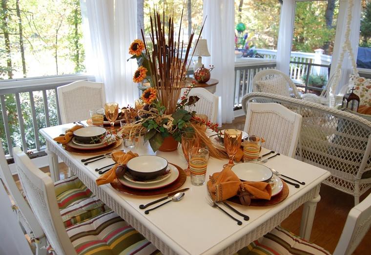 tavolo addobbato tema autunnale tante decorazioni