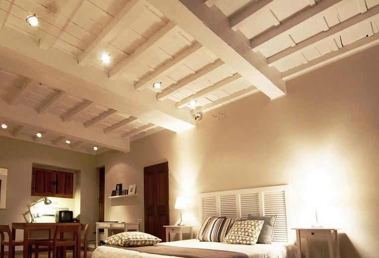 trave legno soffitto stile rustico