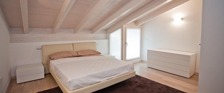 travi finto legno camera design classico