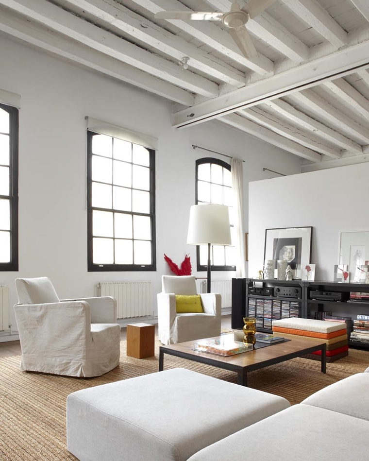 travi in legno bianche loft stile