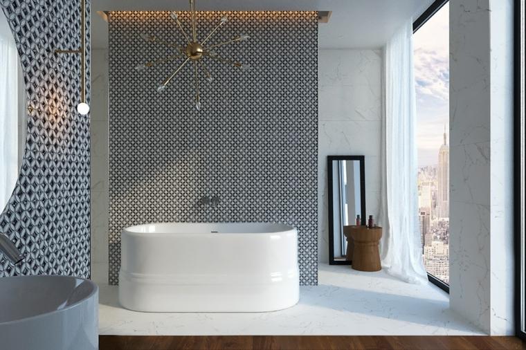 Rivestimento pareti mosaico, sala da bagno con vasca, pavimento in legno parquet e marmo