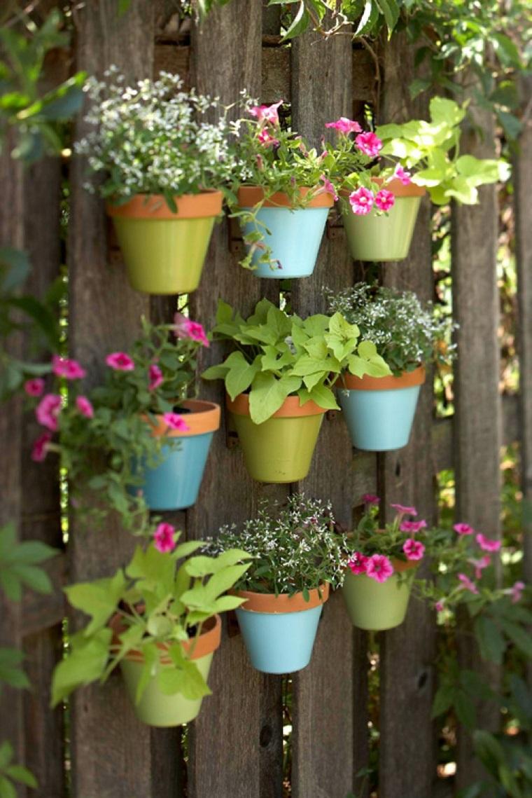vasi di terracotta giardino verticale