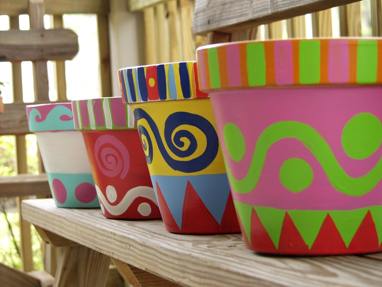 vasi in terracotta colori vivaci