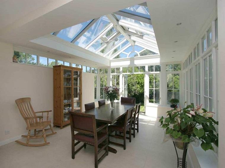 verande moderne arredamento legno piante interno